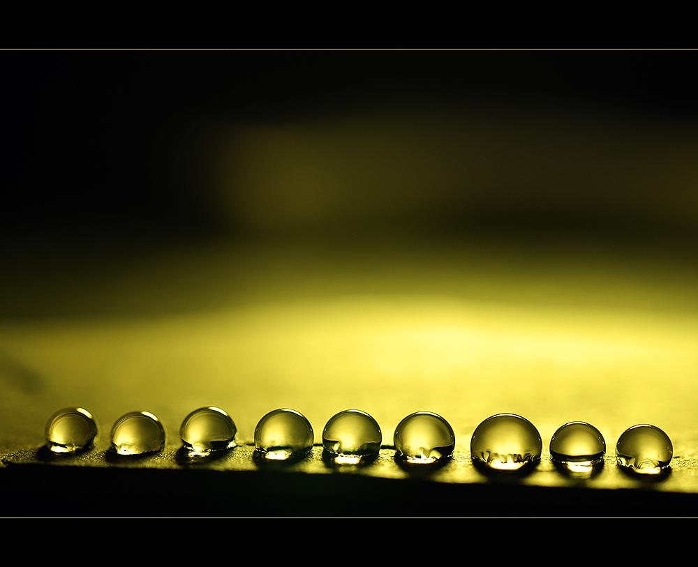 amarillo, metáfora orina