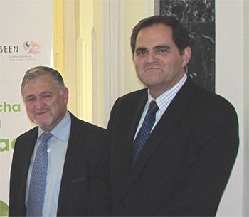 (De izq. a dcha) Dr. Felipe Casanueva, presidente de SEEDO, y Dr. Pedro Pérez Segura (SEOM) Fuente: SEEDO/SEEN/SEOM/Berbés Asociados