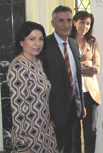(De izq. a dcha) Dra. Purificación Martínez de Icaya (SEEDO); Dr. Manuel Puig (SEEN) y Dra. Pilar Garrido, presidenta de la Sociedad Española de Oncología Médica (SEOM) Fuente: SEEDO/SEEN/SEOM/Berbés Asociados