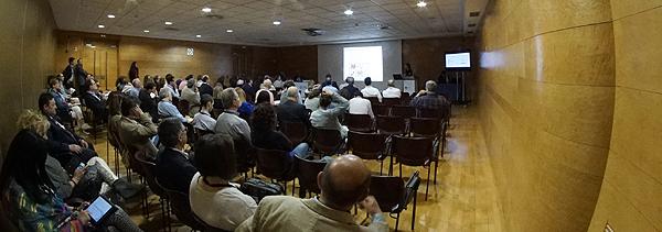 Un momento de la sesión Autor/a de la imagen: Enric Arandes Fuente: E. Arandes / www.farmacosalud.com