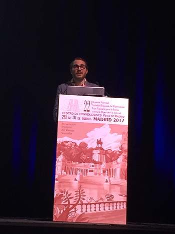 Doctor Arturo García Touchard Autoría de la imagen y fuente: www.farmacosalud.com