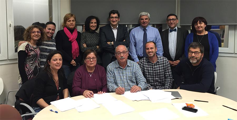 Fundación de la Asociación AUVEA. Silvia Matrai es la tercera por la izquierda en la fila de atrás Fuente: AUVEA