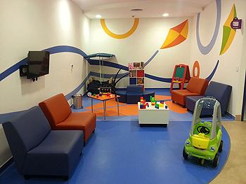 Sala de espera en un hospital infantil Autor/a de la imagen: AntonioLeonMexico Fuente: Wikimedia Commons