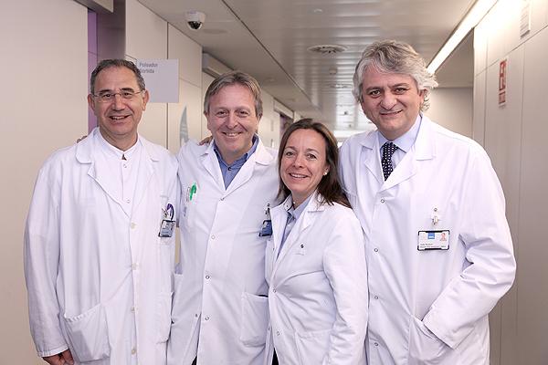 Equipo de Trasplante. (de izq. a dcha): Dr. Fernando Escolano, Dr. Lluís Cecchini, Dra. Marta Crespo y Dr. Julio Pascual Fuente: Hospital del Mar