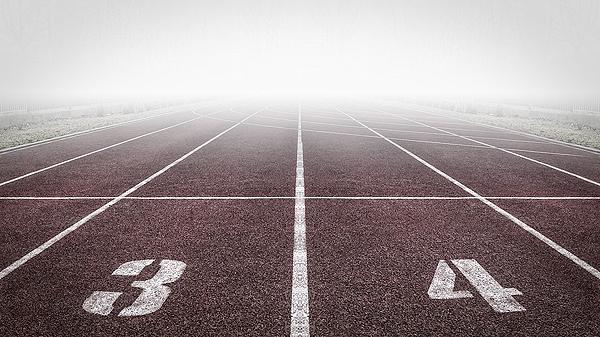 Pista de atletismo Autor/a de la imagen: RemazteredStudio Fuente: Pixabay / Public Domain
