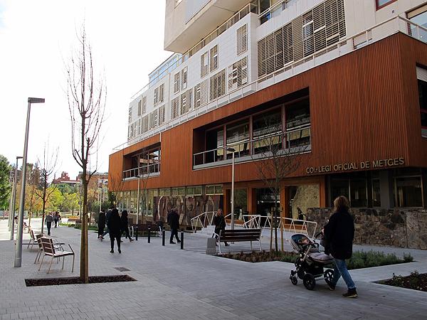 Edificio del Col·legi de Metges de Barcelona (CoMB) [Colegio de Médicos de Barcelona] Fuente: CoMB