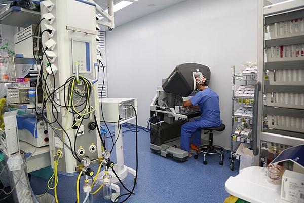 El robot Da Vinci Fuente: Hospital Vall d'Hebron