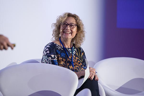Dra. Francisca Molero Fuente: FESS / Meet & Forum