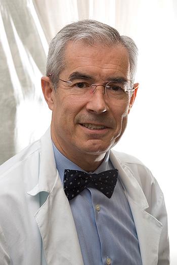 Prof. Emilio Bouza Fuente: Prof. Bouza