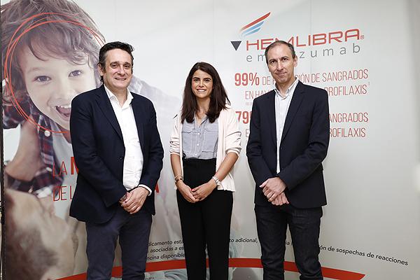 (de izq. a dcha): Drs. Víctor Jiménez Yuste, Beatriz Pérez y Ramiro Núñez Fuente: Roche Farma / Planner Media