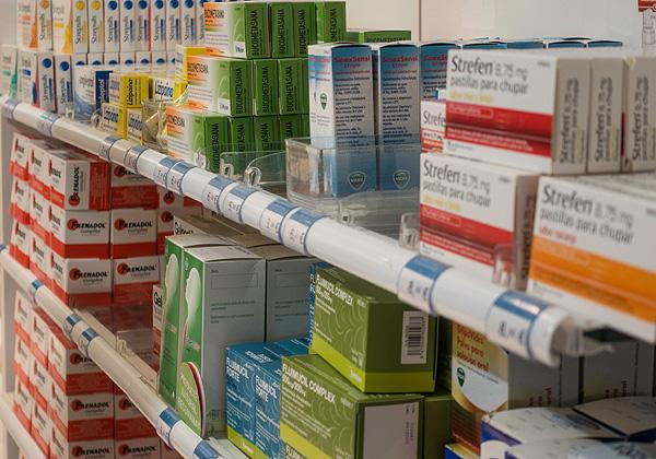 Productos para resfriados Autor/a de la imagen: Enric Arandes / www.farmacosalud.com Fuente: E. Arandes / www.farmacosalud.com