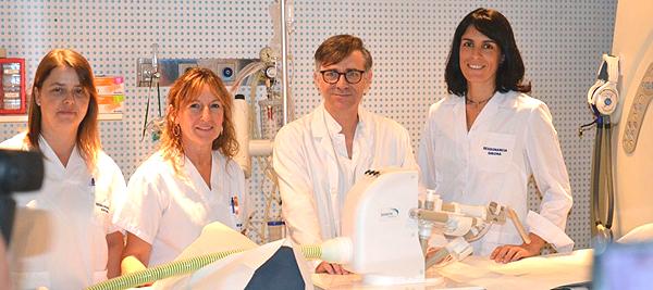 (de izq. a dcha): Las enfermeras Anna Mara Rodrigo y Montse Planas, y los radiológos Joan Carles Vilanova y Anna Pérez de Tudela Fuente: Clínica Girona