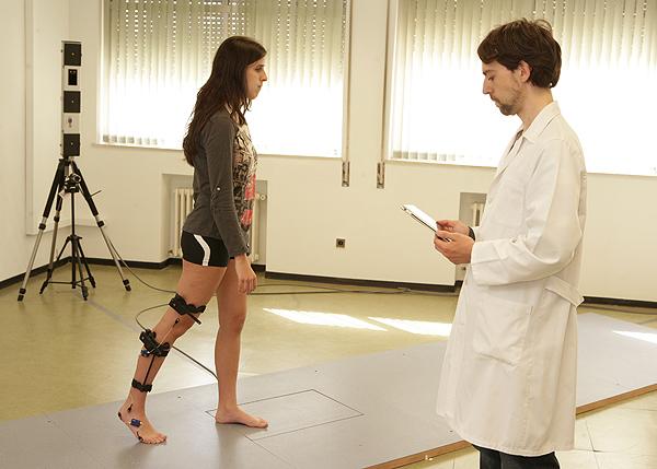 El Prof. Martin durante una prueba en el Laboratorio de Análisis de Movimiento de la Escuela de Fisioterapia de la ONCE Fuente: ONCE