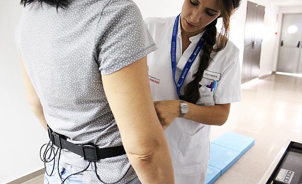 Colocación del novedoso dispositivo Fuente: Hospital Universitario de Torrevieja / Ribera Salud Grupo