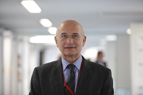 Dr. Ángel Cequier  Fuente: SEC