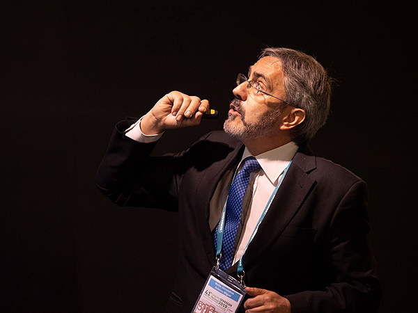 Dr. Miguel Martín Almendros Autor/a de la imagen: Enric Arandes Fuente: E. Arandes / www.farmacosalud.com
