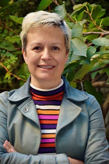 La investigadora Esther Vázquez del CIBER-BBN–UAB  Fuente: CIBER-BBN / CIBER (Consorcio Centro de Investigación Biomédica en Red, M.P.)