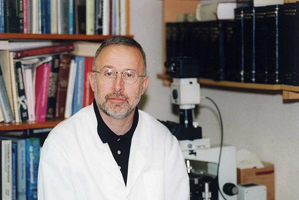 Prof. Josep Guarro Artigas Fuente: URV