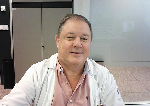 Dr. Manuel Naves Díaz Fuente: Dr. Naves / SEIOMM